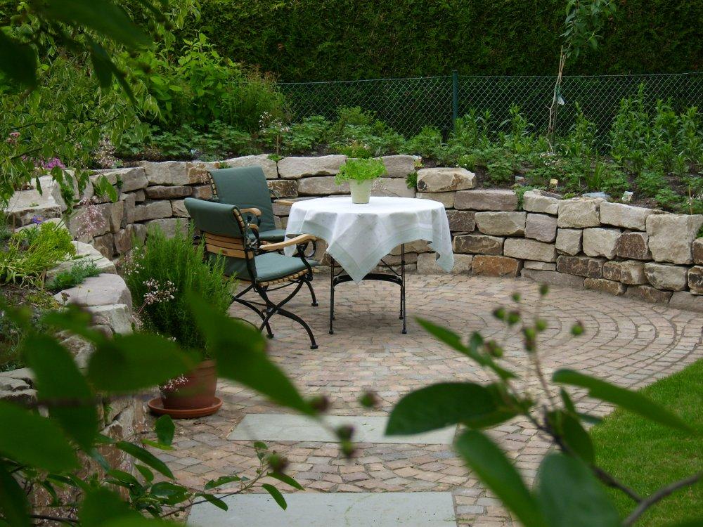 gartenmauern garten und landschaftsbau in hamburg. Black Bedroom Furniture Sets. Home Design Ideas