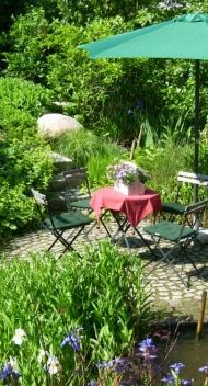 Gartenteiche, Becken, Brunnen & Wasserläufe