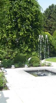 Wasserbecken mit Fontäne